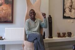 Thomas Kubayi, Fishtail Chair, gemaakt tijdens uitwisselingsbezoek bij Galerie iZArte, Zutphen in 2010