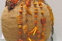 sieraden van AndBanana op mand van Design Afrika, Zuid-Afrika