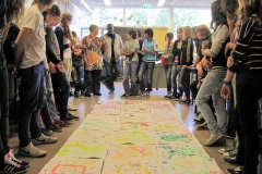 Rolihlahla Mhlanga, workshop aan het Ulenhof College in Doetinchem tijdens uitwisselingsbezoek, Galerie iZArte